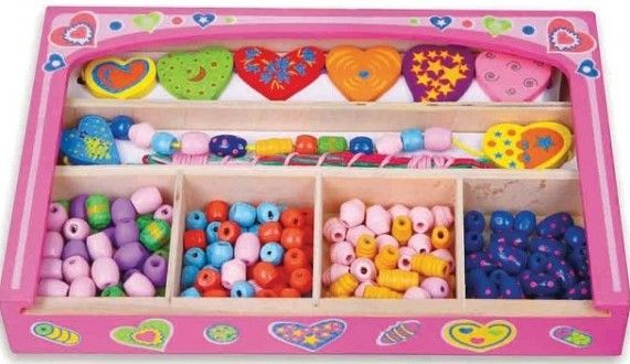Caseta cu bijuterii New Classic Toys, din lemn, 36 luni+